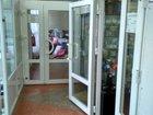 Пластиковая аллюминевая дверь