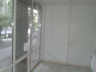 Увидеть foto  Сдам торговую площадь 4 и 6 кв, м по ул, Проспект Героев д, 17 33627448 в Балаково