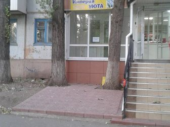 Просмотреть фото  Сдам торговую площадь 4 и 6 кв, м по ул, Проспект Героев д, 17 33627448 в Балаково