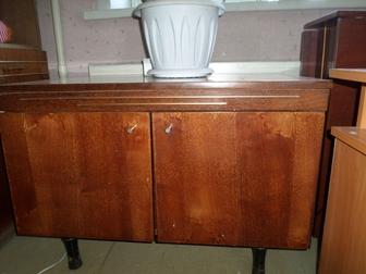 Смотреть фотографию Мебель для гостиной Тумбочка под телевизор б/у 36668421 в Бийске