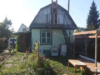 Продается дача в садоводстве Бийчанка,  В 2016 году забита новая колонка, установлена насосная станция, по всему участку сделана разводка воды качественным турецким в Бийске