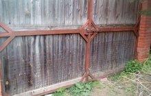 Ворота с калиткой сварные каркасные. Дверь входная