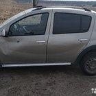 Renault Sandero 1.6МТ, 2012, битый, 251990км