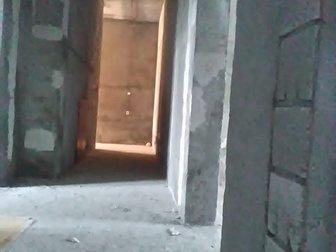 В развитом районе города сдается большое и светлое помещение смешанной планировки и отдельным входом, а также возможностью сделать дополнительный,  площадь составляет в Хабаровске