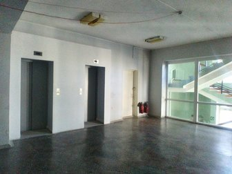 Сдаются в аренду офисные помещения в здании в самом центре города,  В общей сложности 5 этажей по 970 кв, м,  каждый этаж,  Здание подключено ко всем сетям, произведен в Хабаровске