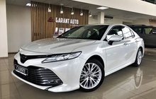 Toyota Camry 2.5AT, 2020