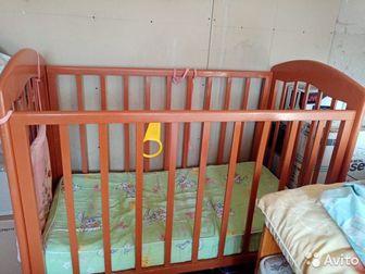 Кроватка детская деревянная,   В хорошем состоянии,   Матрас ортопедический,   Мягкие бортики отдам к комплектеСостояние: Б/у в Ижевске