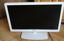 Телевизор белого цвета