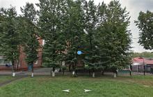 сдам двухкомнатную квартиру в Кировском, ул, Леонова,13