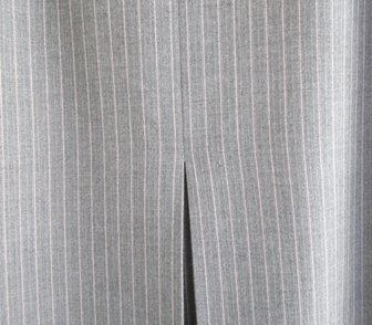 Фото в Одежда и обувь, аксессуары Женская одежда Продаётся стильная юбка, серая, р. 48, пр-во в Краснодаре 2500