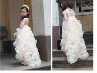 Шикарное платье на выпускной Продам красивое платье. Цвет белый, одевали один ра