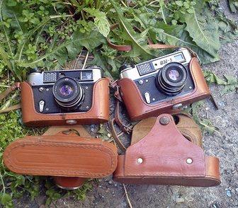Фотография в   2 одинаковых фотоаппарата ФЭД 5.   у одного в Красноярске 1500
