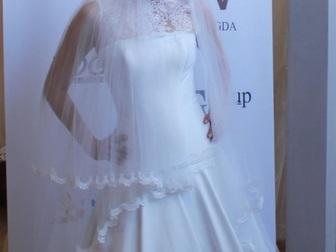 Уникальное foto  свадебное платье прямого силуэта 40053933 в Москве