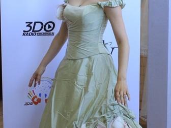 Увидеть фото  свадебное платье прямого силуэта 40053940 в Москве