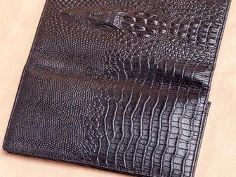 Смотреть фото  Мужское портмоне из натуральной кожи Wild Alligator 34872251 в Москве
