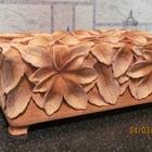 Деревянная шкатулка с резьбой