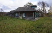 Бревенчатый дом с баней в жилом селе, 280 км от МКАД