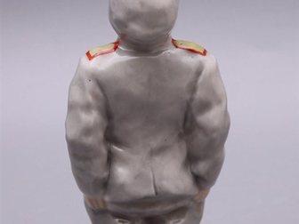 Просмотреть foto Антиквариат Фигурка Бравый солдат Швейк, ЛЗФИ 32740379 в Москве