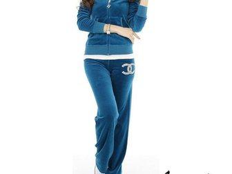 Скачать бесплатно изображение Спортивная одежда Спортивный женский костюм Chanel 32766274 в Москве