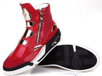 Скачать бесплатно изображение Мужская обувь Сникерсы Versace Golden Plate High-Top 32968940 в Москве