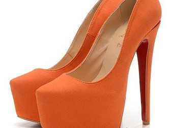 Увидеть фотографию Женская обувь Туфли Christian Louboutin Suede 33052983 в Москве