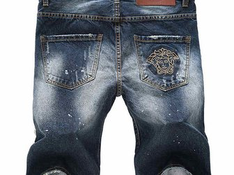 Скачать фотографию Мужская одежда Джинсовые шорты Versace Torn 33052997 в Москве