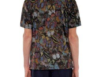 Скачать бесплатно фотографию Мужская одежда Футболка Valentino Dancing Butterfly In Flowers 33067530 в Москве