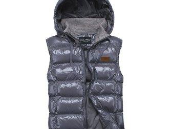 Смотреть foto Мужская одежда Мужская жилетка Dolce & Gabbana 33334886 в Москве