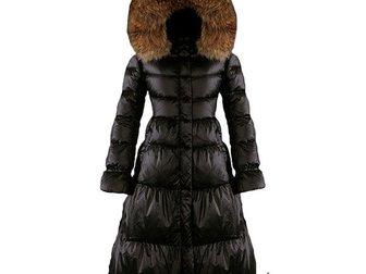 Скачать фотографию  Зимнее длинное женское пальто-пуховик от Moncler 33374062 в Москве