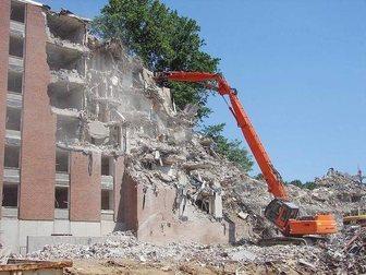 Смотреть foto Спецтехника демонтаж зданий и сооружений 33757980 в Москве