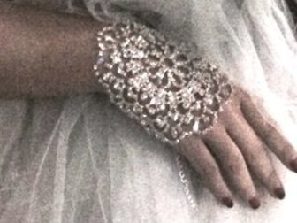 Смотреть foto Ювелирные изделия и украшения Купить, Изысканные украшения, Свадьба, Медовый месяц, 34650564 в Москве
