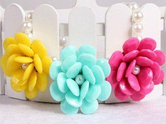 Скачать фото Ювелирные изделия и украшения Продам ожерелье Крупные цветы 34838510 в Москве