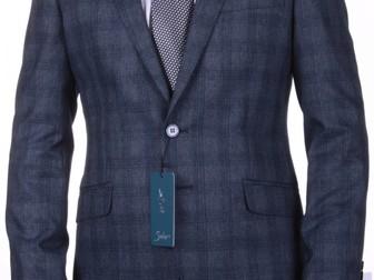 Просмотреть фотографию  Интернет магазин мужских костюмов 37718080 в Москве