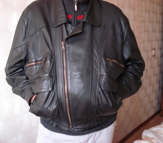 Фотография в Одежда и обувь, аксессуары Мужская одежда Предлагаю мужскую черного цвета кожаную куртку, в Москве 6800