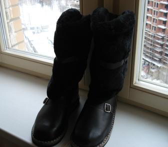 Изображение в Одежда и обувь, аксессуары Мужская одежда : Абсолютно новые унты из кожи на меху черного в Москве 2500