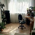 Двухкомнатная квартира улучш.планировки на первом этаже,высо