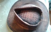 Шляпа из натуральной кожи под крокодила новая