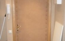 Обшивка,обивка входных дверей дермантином (винилискожей)