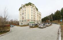 Продается трехкомнатная двухуровневая квартира в экологичес