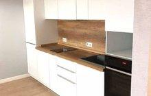 Кухонный гарнитур прямой с пеналом 3.3