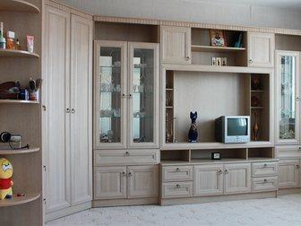 Просмотреть фотографию Мебель для гостиной Срочно продам корпусную мебель Инна, В отличном состоянии, 32597792 в Новосибирске