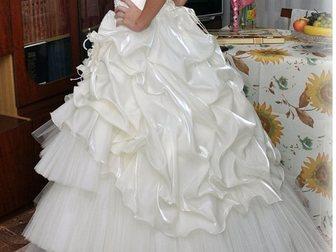 Уникальное foto  Продам красивое свадебное платье 32960238 в Новосибирске