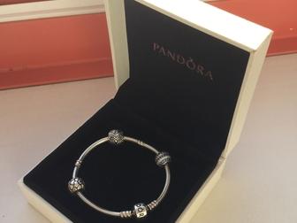 Скачать бесплатно изображение  Оригинальный браслет Pandora 16см плюс 3 шарма 37136595 в Новосибирске