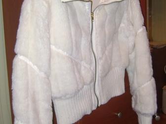 Смотреть foto Женская одежда Продам женскую демисезонную куртку 38786259 в Новосибирске