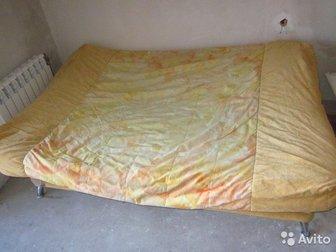 2 -х местный Диван в отличном состоянии, Материал флок, ортопедическая фанера,  Размер спального места длина 2000, ширина 1400,  Забирать в м-н Стрижи, (ул,  Кубовая) в Новосибирске