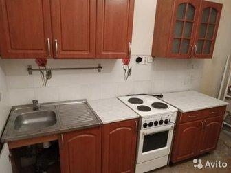 Кухонный гарнитур из 6 частей1,  верхний шкафчик - сушилка 80см2,  верхний шкафчик 40 см3,  верхний шкафчик-сервант для посуды 80 см4,  нижний шкафчик-мойка 80 см5, в Новосибирске