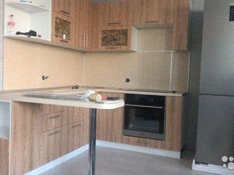 Представляю к продаже абсолютно новый кухонный гарнитур,кран и мойка в подарок ,торг в Новосибирске