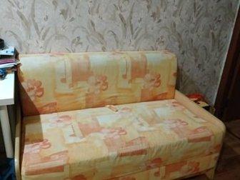 диванчик 1,2 на 1,9 м,  В хорошем состоянии,  Каркас дерево,  Самовывоз, в Новосибирске