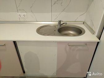 Угловой кухонный гарнитур, глянцевая плёнка,  В хорошем состоянии, отдам с раковиной и смесителем, сушилкой для посуды, столешницей,  На фото собран не полностью, в Новосибирске