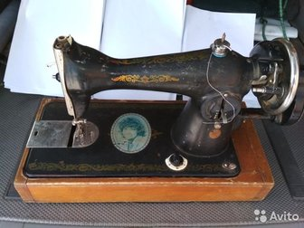 Продам швейную машинку,  Работоспособность неизвестна,  Или обмен на значки или монеты, купюры, в Новосибирске
